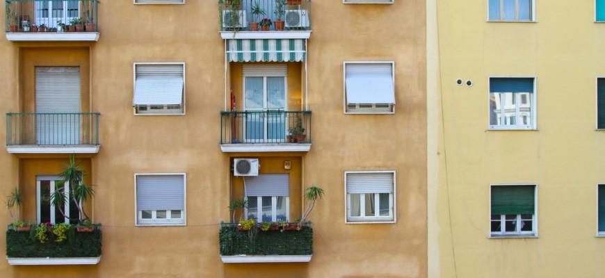 cuál es la normativa para tener un aire acondicionado en la fachada de un edificio